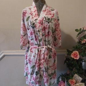 NWOT Show Me Your Mumu Garden of Blooms Brie Robe